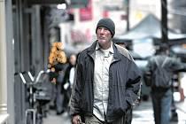 ZAHAJOVACÍ SNÍMEK. Time out of Mind přiváží jeho hlavní protagonista Richard Gere.