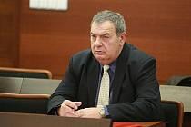 Liberecký okresní soud zprostil komunistického exposlance Vondrušku obžaloby za údajné bití politického vězně. Vondruška byl podezřelý, že jako vychovatel na začátku 80. let bil vězně Jiřího Wolfa.