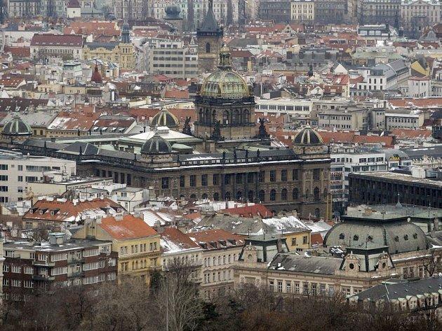 Národní muzeum v Praze  - pohled z Žižkovské věže