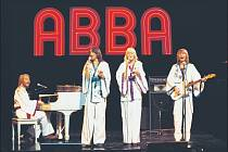 Švédská skupina ABBA vydala během své existence osm řadových alb a dodnes prodala přes 400 milionů kopií.
