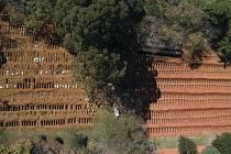 Nově vykopané hroby v Sao Paulu