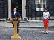 Britský premiér David Cameron oznámil svou rezignaci.