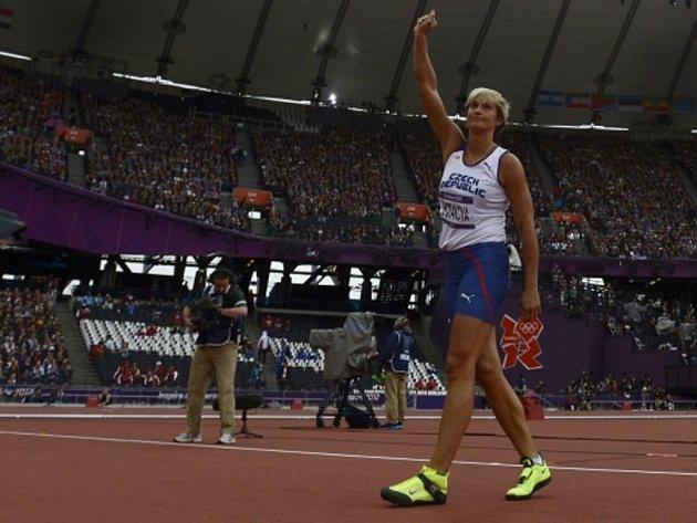 Oštěpařka Barbora Špotáková si zajistila finále olympijských her v Londýně prvním pokusem.