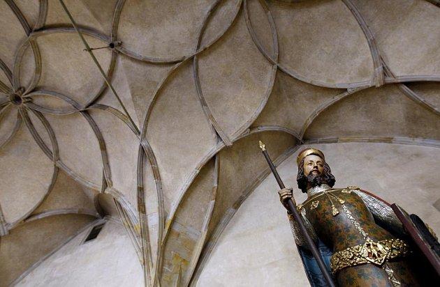 Zmenšená kopie sochy sv. Václava ze Svatováclavské kaple.
