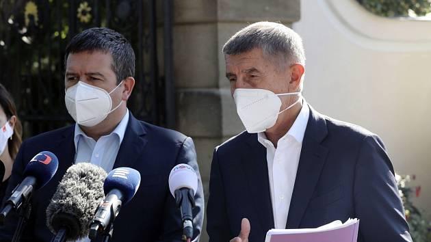 Ministr vnitra Jan Hamáček (ČSSD) a premiér Andrej Babiš (ANO)