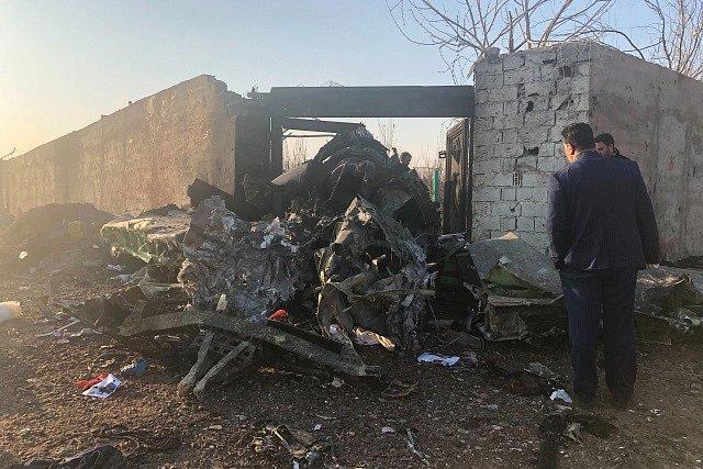 Trosky havarovaného ukrajinského letounu.
