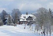Zimní pohled na Šámalovu chatu