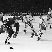 Záběr z hokejového utkání 28. března 1969 mezi ČSSR - SSSR. Jiří Holík.