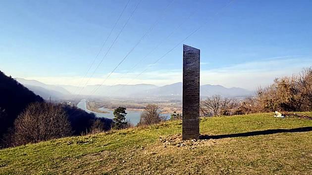 Záhadný monolit v Rumunsku. Ilustrační snímek
