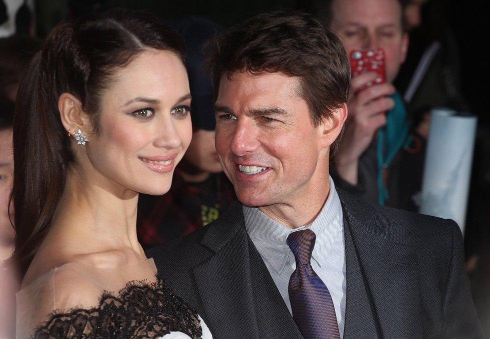 Olga Kurylenko a Tom Cruise.