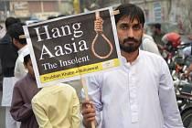 Protesty proti osvobození Asii Bibiové v Láhauru.