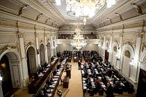 Zasedání sněmovny 28. listopadu v Praze.