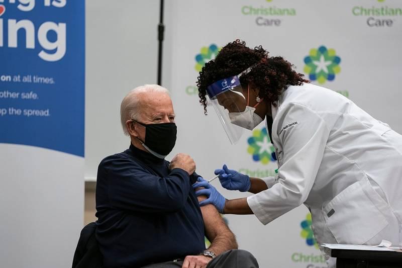 Očkovat se nechal i americký prezident Joe Biden