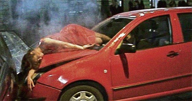 Nový klip o smrti na silnicích