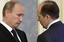 Vladimir Putin a ředitel FSB Alexandr Bortnikov.