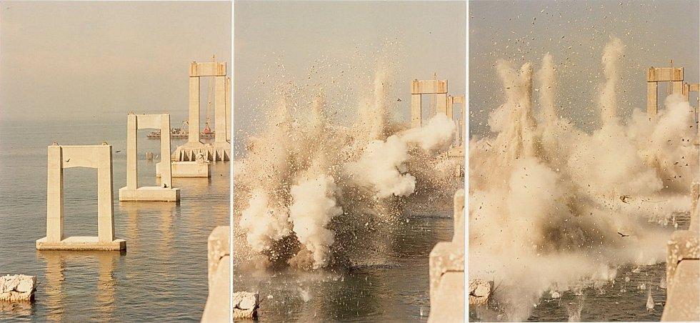 Most Sunshine Skyway (Florida) - demolice zbývajících pilířů původního mostu