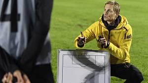 Šestatřicetiletý Martin Bittengl je odchovancem fotbalové Viktorie Plzeň, ale trenérské ostruhy sbírá v daleké Kanadě.