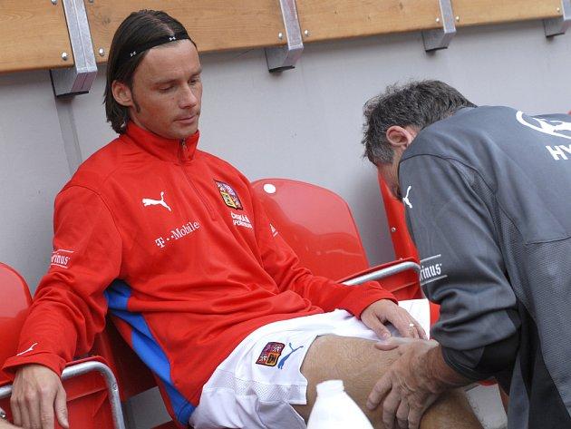 Achillovou patou Marka Jankulovského je koleno.