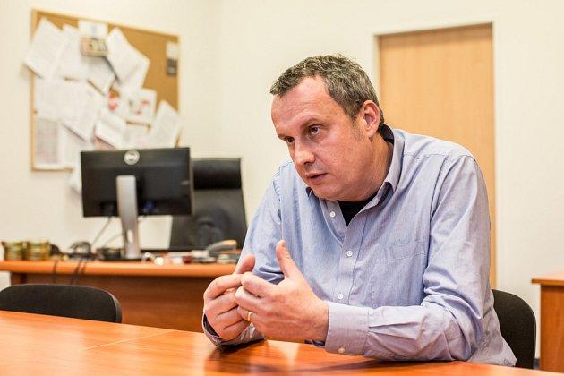 Prorektor pro zahraniční vztahy vysoké školy CEVRO Institut Tomáš Pojar.