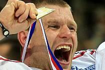 Václav Varaďa se zlatou medailí.