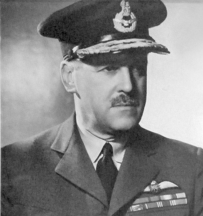 Sir Trafford Leigh-Mallory, velitel 12. skupiny Velitelství stíhacího letectva RAF