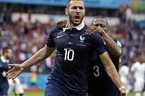 Kanonýr Francie Karim Benzema se raduje z gólu proti Hondurasu.