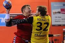 Filip Jícha (vlevo) proti Belgii.