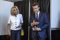 Prezident Emanuel Macron se svou ženou Brigitte