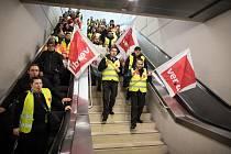 Německá letiště ochromila stávka bezpečnostního personálu