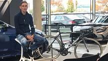Profesionální cyklista Roman Kreuziger oznámil ukončení aktivní kariéry. Od nové sezony bude sportovním ředitelem stáje Team Bahrain Victorious.