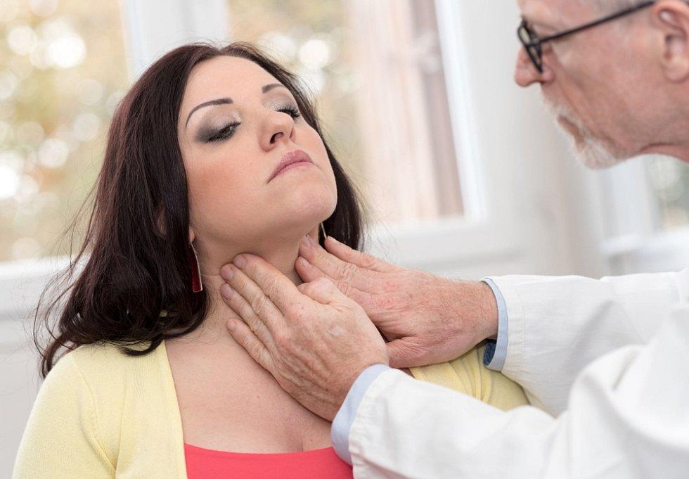 Na nemoc upozorňují endokrinologové u příležitosti Týdne štítné žlázy, který letos připadl na 25. – 31. května..