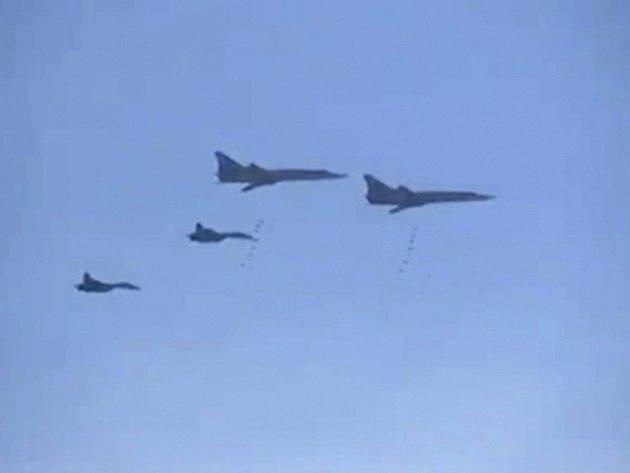 Rusko podniklo od úterý již druhý masivní letecký útok proti teroristickým cílům ve čtyřech syrských provinciích.