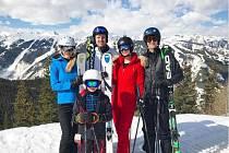 Rodiny Trumpových dětí během lyžování v Aspenu