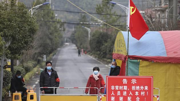 Uzavírka u čínské vesnice Chang-čou