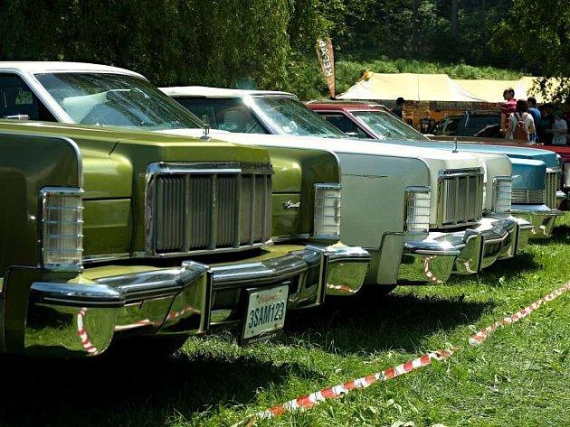 Americká auta na Konopáči.
