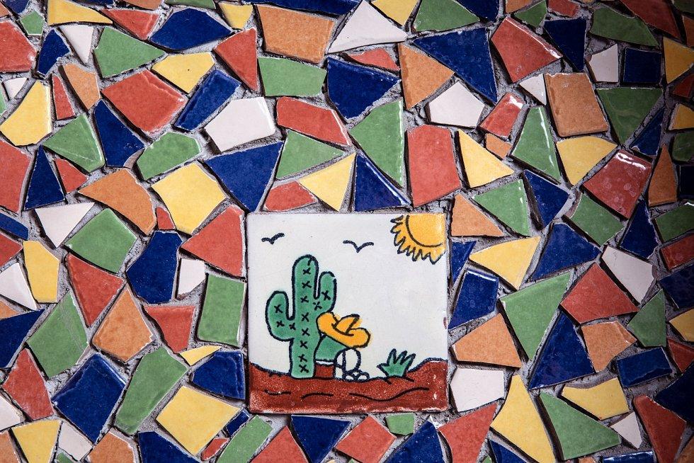 Ručně malované mozaiky jsem přitáhnul z exhibic v Mexiku