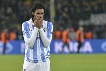 Šokovaný Sergio Sanchez z Málagy po prohře s Dortmundem, který zvítězil dvěma góly v prodloužení.