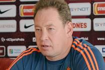 Trenér ruské reprezentace a CSKA Moskva Leonid Sluckij.