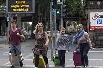 Lidé se evakuují ve Frankfurtu nad Mohanem kvůli nálezu nevybuchlé letecké bomby z války