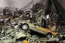 Trosky. Ničivé zemětřesení připravilo stovky lidí o domov.
