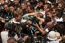 Velká cena Španělska: Nico Rosberg a oslavy jeho vítězství
