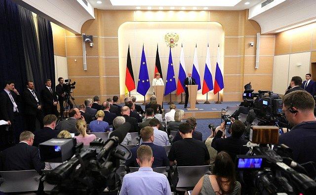 Angela Merkelová a Vladimir Putin v Soči