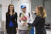 Kanadská ministryně zahraničí Chrystia Freelandová přivítala Rafah Kunúnovou na letišti v Torontu.