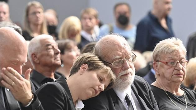 Pohřeb Františka Nedvěda, bratr František s manželkou