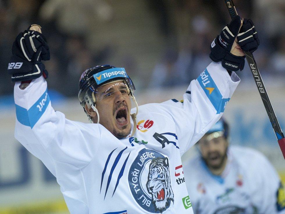 Branko Radivojevič z Liberce se raduje z gólu proti Spartě.
