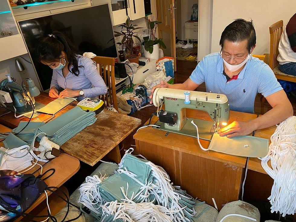 Vietnamci nezištně pomáhali mezi prvními