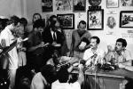 Vůdce palestinské Lidové fronty Gassán Kanafání na tiskové konferenci 15. září 1970