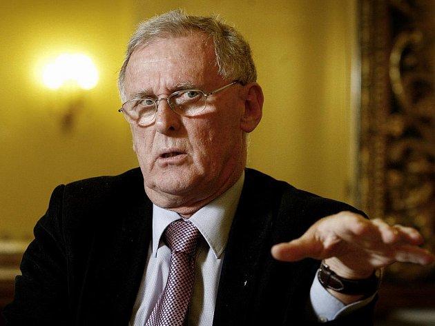 Předseda Rady pro reformu vysokoškolského vzdělávání profesor Rudolf Haňka.