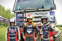 Martin Prokop (uprostřed) při testech týmu Tatra Buggyra Racing.