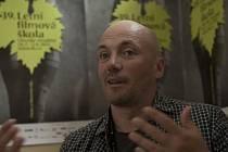Estonský režisér  Ilmar Raag, oscarový scénograf, který pracoval na snímcích jako Pianista nebo Schindlerův seznam, Allan Starski, v Hradišti.